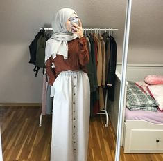 [New] The 10 Best Makeup Ideas Today (with Pictures) - Casual Hijab Outfit, Hijab Chic, Hijab Dress, Ootd Hijab, Modern Hijab Fashion, Street Hijab Fashion, Muslim Fashion, Modest Fashion, Fashion Outfits