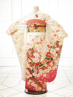 The Kimono Gallery Traditioneller Kimono, Furisode Kimono, Kimono Japan, Traditional Kimono, Traditional Fashion, Traditional Dresses, Hanfu, Kimono Design, Wedding Kimono