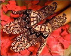 Mehendi Designs and Types. I personally love mehendi designs and I can carry mehendi on my hands daily if I had to. sharing types of mehendi designs and the occasions on which they can be worn Mehendi, Henna Mehndi, Henna Art, Mehndi Art, Hand Henna, Eid Mehndi Designs, Wedding Mehndi Designs, Indian Wedding Mehndi, Mehndi Style