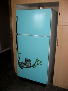 My original kitchen fridge (2 weeks after we moved in). I had to paint it. lol