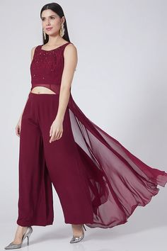 Indian Gowns Dresses, Pernia Pop Up Shop, Set Design, Designer Wear, Tunics, High Low, Wine, Stylish, Outfits