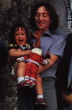 Japon, Karuizawa - John Lennon (1940-1980) & son fils Sean Lennon (1975-20--)