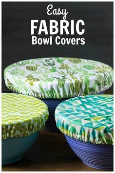 Instead of using plastic wrap, why not create your own fabric bowl covers. Great for keep insects out at picnics and makes a nice house warming gift. # Useful Sewing Projects Fabric Bowl Covers Tutorial - Easy Beginner Sewing Project Small Sewing Projects, Sewing Projects For Beginners, Sewing Hacks, Sewing Tutorials, Sewing Crafts, Sewing Tips, Free Tutorials, Sewing Ideas, Diy Gifts Sewing