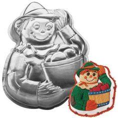 Wilton Scarecrow Fall Autumn Thanksgiving / Halloween Witch / Gardener Cake Pan (2105-2001, 1998) Retired Wilton