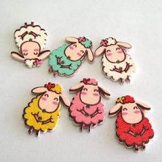 Baby Animals wooden buttons can be used to decorate scrapbook pages but also your gifts and cards. Craft Online, Creative Crafts, Scrapbook Pages, Baby Animals, Sheep, Owl, Birds, Cats, Gatos