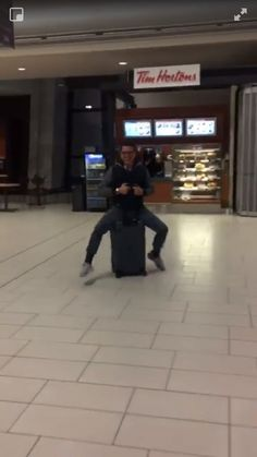(20) Twitter - Pretty sure that's John Barrowman at the Ottawa airport