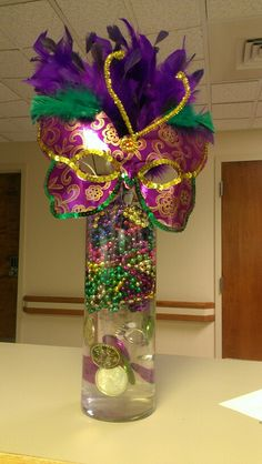 Easy Mardi Gras Centerpiece With black and white only