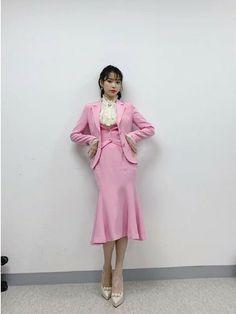 IU #HotelDelLuna Luna Fashion, Kpop Fashion, Korean Fashion, Fashion Outfits, Nancy Drew Costume, Fashion Design Sketches, Queen, Korean Outfits, Outfit Goals