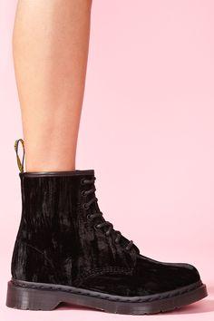 Castel 8 Eye Boot in Black Velvet