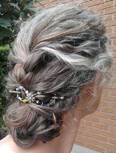 beautiful gray hair formal look, long grey hair, Silver hair style Long Gray Hair, Grey Wig, Shampoo For Gray Hair, Hair Shampoo, Pelo Color Plata, Curly Hair Styles, Natural Hair Styles, Updo Curly, Braided Hairstyle