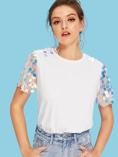 To find out about the Contrast Sequin Mesh Sleeve Round Neck Tee at SHEIN, part of our latest T-Shirts ready to shop online today! Diy Clothes, Clothes For Women, Diy Mode, Latest T Shirt, Sequin Fabric, Cotton Style, Pulls, V Neck Tee, Tee Shirts
