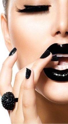 Makeup For Black Women Lipstick & Makeup For Black Women Black Lips, Red Lips, Black Lashes, Lip Makeup, Beauty Makeup, Eyeshadow Makeup, Makeup Style, Flawless Makeup, Lip Art