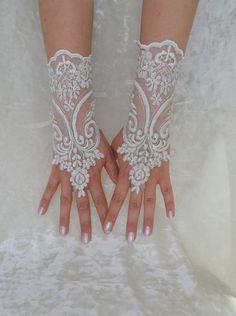 Ivory Wedding gloves bridal gloves lace gloves by WEDDINGHome, $30.00