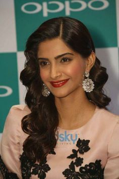 OPPO Mobile Launch - Sonam Kapoor net