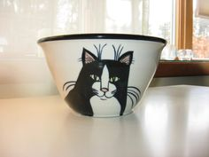 Hey, I found this really awesome Etsy listing at https://www.etsy.com/il-en/listing/269619271/handthrown-pottery-pawpcorn-bowl-with