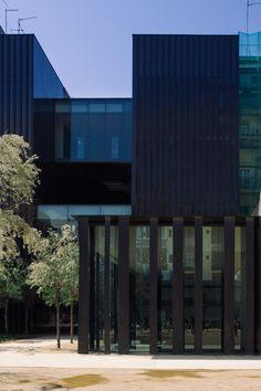 Galería de Biblioteca Sant Antoni - Joan Oliver de RCR Arquitectes bajo el lente de Pedro Kok  - 2