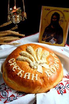 Božićna česnica Holiday Bread, Christmas Bread, Serbian Christmas, Macedonian Food, Bread Art, Serbian Recipes, Recipe For 4, Dough Recipe, Easter Recipes