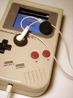 GameBoy iPod case!
