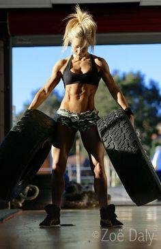 Zoë Daly Interview: Ripped Australian Fitness Model Talks To T&T!