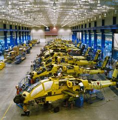 Apache Helicopter Manufacturing Plant Mesa Arizona--This is just a cool picture. Attack Helicopter, Military Helicopter, Military Aircraft, Air Force, Ah 64 Apache, Armada, Military Weapons, Military Equipment, War Machine