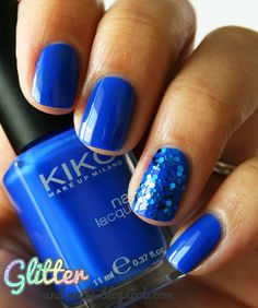 blue glitter nails, might do for Homecoming