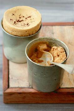 RECIPE : Soufflés au café (Source : http://cuisine.larousse.fr/recettes/detail/souffle-glace-au-cafe)