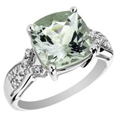 green amethyst ring :) <3 I had no idea amethyst were green...and mint green at that!