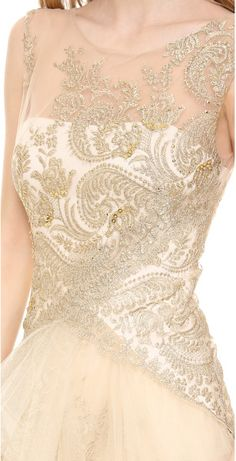notte-by-marchesa-gold-metallic-lace-gown-with-tulle-skirt-product-1-17649569-3-015127374-normal_large_flex.jpeg (307×600)