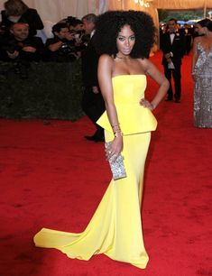 Solange Knowles' Style File Vogue Fashion, Star Fashion, Fashion Show, Celebrity Dresses, Celebrity Style, Modest Fashion, Fashion Outfits, Stylish Outfits, Peplum Gown