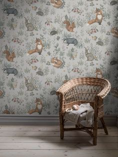 The illustrations on our Forest Friends Mural brings to mind old-fashioned storybooks. Its repeatable pattern is filled with charming drawings of woodland creatures. Wallpaper Magic, Interior Wallpaper, Lit Wallpaper, Forest Wallpaper, Friends Wallpaper, Nursery Wallpaper, Wallpaper Panels, Wallpaper Samples, Amazing Wallpaper
