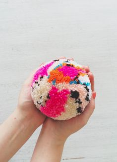 This DIY Orbeez Stress Ball Might Be the Squishiest Thing on the Planet - Amately Pom Pom Crafts, Yarn Crafts, Diy And Crafts, Crafts For Kids, Arts And Crafts, Advent For Kids, Advent Calendars For Kids, Bullet Journal Kit, Carpet Diy