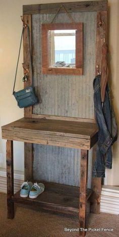 Home Decoration Ideas Space Saving rustic reclaimed hall tree diy foyer home decor repurposing upcycling woodworking projects.Home Decoration Ideas Space Saving rustic reclaimed hall tree diy foyer home decor repurposing upcycling woodworking projects Diy Home Decor Rustic, Easy Home Decor, Farmhouse Decor, Farmhouse Style, Rustic Entryway, Decor Diy, Farmhouse Bench, Rustic Crafts, Entryway Ideas
