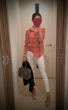 Check print buttoned shirt with white skinny, brown bag, beige heels - http://ameblo.jp/nyprtkifml