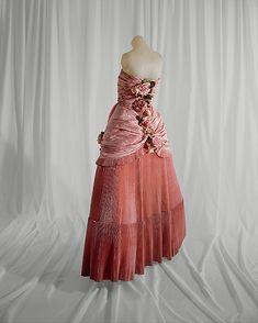 1948 Dress (Ball Gown), House of Balenciago (back view)                                             House of Balenciaga
