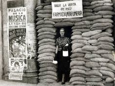Learn about one of the most important historical events leading to the rise of fascism in Europe: the Spanish Civil War. Private tour led by a local expert in Madrid. Spanish War, Foto Madrid, Archaeological Discoveries, War Photography, World Cities, Teaching Spanish, Illustrations, World History, Civilization