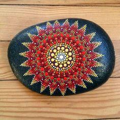 DIY Mandala Stone Patterns To Copy (10)