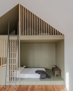 """Loft sleeping area at """"Green House"""" apartment in Porto. - Home Page Loft Design, Design Case, House Design, Sleeping Pods, Interior Architecture, Interior Design, Cozy House, Kids Bedroom, Kids Rooms"""
