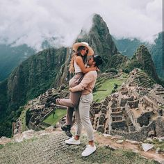 💕✈️ Travel couple goals created by ↡ 📍Made at Machu Picchu, Peru 🇵🇪 and remember, tag us or use so we can feature your photos! Couple Travel Photos, Cute Couple Poses, Couple Relationship, Communication Relationship, Relationship Questions, Relationship Fights, Happy Relationships, Strong Relationship, Peru Travel