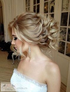 Gorgeous wedding hairstyles and updos from Elstile / http://www.himisspuff.com/bridal-wedding-hairstyles-for-long-hair/39/