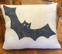 Halloween Pillow, Bat Pillow, Burlap Pillow, Halloween Decoration, Fall Decor, Outdoor Pillow, Bat Decoration, Halloween Decor, Fall Pillow