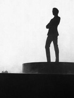 Mika's silhouette...
