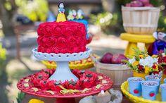 Confira as dicas de decoração, o cardápio e os docinhos da festa da Sophia