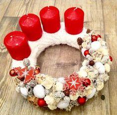 adventi koszorú – Google Keresés Winter Christmas, Christmas Wreaths, Christmas Crafts, Christmas Decorations, Holiday Decor, Advent Wreaths, Candle Centerpieces, Candles, Ornament Wreath