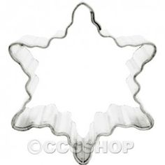 Mini Snowflake Cookie Cutter (A) Christmas cookies, mini cookies and Christmas baking Snowflake Cookie Cutter, Mini Cookie Cutters, Snowflake Cookies, Christmas Cookie Cutters, Mini Cookies, Christmas Baking, Christmas Cookies, Cake Accessories, Cake Decorating Supplies