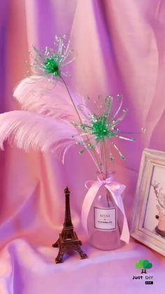 Diy Crafts For Home Decor, Diy Crafts Hacks, Diy Crafts Videos, Plastic Bottle Flowers, Plastic Bottle Crafts, Empty Plastic Bottles, Diy Flowers, Flower Crafts, Paper Crafts Origami