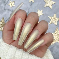 A pearly white glitter gel polish with gold undertones for sweet and smooth nails. 2 Coat Application. Nails by Fie Pedersen #glittergelnails #glitternails Glitter Gel Polish, Gel Nail Polish, Glitter Nails, Nail Art, White Glitter, Smooth, Create, Sweet, Gold
