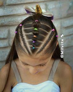 "236 Me gusta, 13 comentarios - Silvia Casanova (@wilvita_s) en Instagram: ""Ya tenemos nuevo video y es ideal para los días con prisa LINK DEL VIDEO EN MI PERFIL ❤…"" Little Girl Hairdos, Cute Girls Hairstyles, Princess Hairstyles, Braided Hairstyles, Teenage Hairstyles, Kimberly Hair, Long Hair Designs, Anna Hair, Hair Patterns"