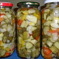 Stigla je jesen i većina vas traži recepte za zimnicu - Luda Krava Calzone, Pickles, Salad Recipes, Cucumber, Healthy Life, Sausage, Mason Jars, Salads, Food And Drink