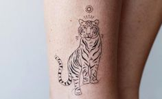 Female Tiger Tattoo: 70 Amazing Ideas to Arouse Courage - Tiger tattoo: 70 incredible ideas to arouse courage The Effective Pictures We Offer You About feath - Piercing Tattoo, Kritzelei Tattoo, Doodle Tattoo, Samoan Tattoo, Polynesian Tattoos, Leopard Tattoos, Tribal Tattoos, Geometric Tattoos, Tiger Tattoo Small