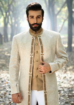 Latest Wedding Sherwani Designs By Amir Adnan - PK Vogue Wedding Outfits For Groom, Wedding Dress Men, Pakistani Wedding Outfits, Wedding Suits, Mens Sherwani, Kurta Men, Wedding Sherwani, Indian Men Fashion, Mens Fashion Wear